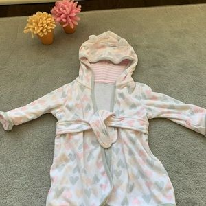 NWT hooded baby robe (6-9M)